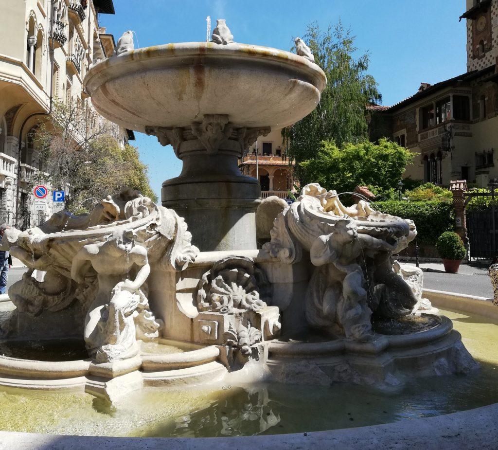 fontaine des grenouilles quartier Coppedè